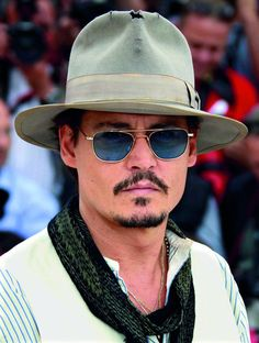 Hipster Outfits, Hipster Fashion, Mens Fashion, Hot Actors, Actors & Actresses, Johnny Depp Images, The Hollywood Vampires, Here's Johnny, Hipster Looks
