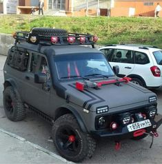 Jeep Cars, Jeep 4x4, Weird Cars, Cool Cars, 6x6 Truck, Pajero Sport, Bug Out Vehicle, Expedition Vehicle, Mini Trucks