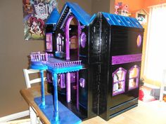 Monster High Dollhouses: Creepy Cool!