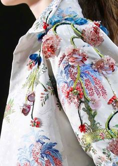 Couture details by Giambattista Valli