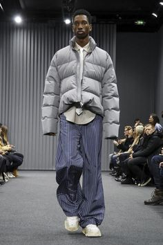 1753e28e7edd5 Balenciaga Menswear Fall Winter 2017 Paris