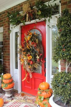 Natural elements added into fall front porch decorating array. Autumn Decorating, Porch Decorating, Decorating Ideas, Decor Ideas, Mantel Ideas, Southern Front Porches, Fall Porches, Autumn Display, Front Door Decor