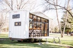 Called Atlas, this house has been designed by the Longmont-based design firm, Productions. The tiny house on wheels aims to bring together a number of Tiny House Luxury, Tiny House Swoon, Modern Tiny House, Tiny House Plans, Tiny House Design, Tiny House On Wheels, Tiny House Movement, Tiny House Mobile, Tiny House France
