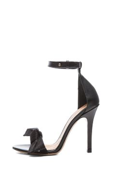 Isabel Marant|Play Calfskin Leather Pumps in Black