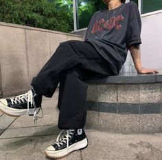 Apr 26 2020 Source by dariaboth outfits Source by Grunge Outfits Apr dari Vintage Outfits, Retro Outfits, Mode Outfits, Trendy Outfits, Band Tee Outfits, Sneakers Fashion Outfits, Tomboy Outfits, Outfits For Teens, Aesthetic Fashion