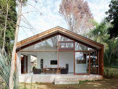 Simple architecture by  Doisamaisv