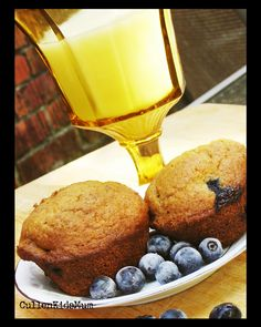 Summertime means blueberry time. The muffins are so moist with the addition of the sour cream and the flaxseed meal not only is a health booster but also gives the muffins a nice nutty flavor. Flaxseed Muffins, Tasty Kitchen, Homemade Soup, Recipe Community, Just Cooking, Healthy Baking, Freezer Meals, Blueberry, Brunch