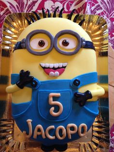 home Made :) Minions, Birthday Candles, Projects To Try, Homemade, Cakes, Desserts, Food, Meal, Deserts