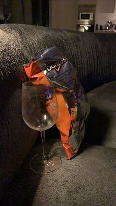 Wine Pics, Doritos, Teen Fashion Outfits, Aesthetic Photo, Cute Wallpapers, Instagram Story, Wine Glass, Tableware, Design