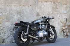 Suzuki By 21 Grammes Motorcycles Suzuki Cafe Racer, Cafe Racers, Scrambler, Custom Bikes, Cool Bikes, Bobber, Cars And Motorcycles, Projects To Try, Bike Stuff