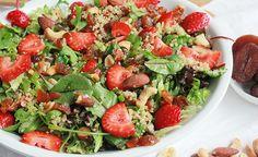 Frisse salade met aardbeien, abrikozen en quinoa - Wakker Dier Kung Pao Chicken, Cobb Salad, Quinoa, Good Food, Healthy Recipes, Dinner, Ethnic Recipes, Drinks, Health Recipes