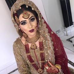 Pakistani bride I'm obsessed with Indian, Pakistani and Muslim weddings! Pakistani bride I'm obsessed with Indian, Pakistani and Muslim weddings! Pakistani Bridal Makeup, Asian Bridal Makeup, Pakistani Wedding Dresses, Indian Bridal, Desi Bride, Desi Wedding, Wedding Hijab, Wedding Makeup, Wedding Ideas