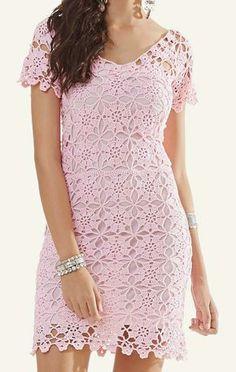 Tamanho – 38   Esse vestido de crochê verão é super tendência e uma ótima opção para se usar em dias de temperatura mais amena! ...