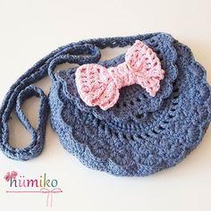 Kot rengi bayram cantamiz hemen teslim hanimlar☺ fiyati 35 tl #orgu #örgü #tigisi #handmade #elyapimi #tasarim #crochet #crochetbag #crocheting #crochetersofinstagram #knit #knitbag #knittingbag #knittersofinstagram #knitting #canta #örgüçanta #pink #pembe #sweet #fashionkids