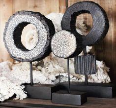 Wooden sculpture - Goossens wonen & slapen