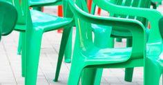 ¿Cómo decorar sillas plásticas?