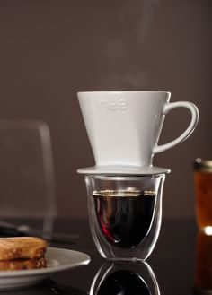 The Nee coffee dripper gives you complete control over brewing time and temperature, so that your coffee is flavored just the way you like it.