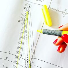 When working with multi-sized patterns you can use a highlighter to make it easy to trace/cut your size. #sewingtips #sewingblogger #sewersofinstagram