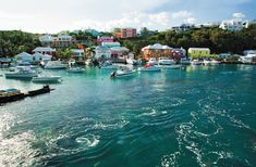 A last minute trip to Bermuda is the perfect time to enjoy the sights and sounds in this island located off the eastern coast of North America.