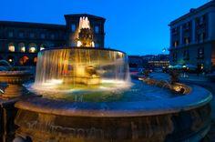 Piazza Trieste e Trento Al calar del sole...i colori si dileguano tra le forme ovali della città