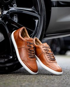 Gents Fashion, Mens Fashion Shoes, Leather Brogues, Leather Sneakers, Swag Outfits Men, Men's Outfits, Trendy Shoes, Casual Shoes, Mens Ankle Boots