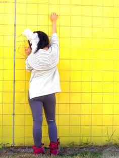 Sudadera con capucha larga con ribetes@LacayoPez Pasen a darle LiKE a nuestra página!! http://www.facebook.com/pages/Lacayo-Pez-Prendas-Experimentales/263209390376930?ref=ts=ts #FASHION #CLOTHES #CONCEPTUAL #ART #DESIGN