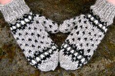 Icelandic Wool Mittens  Handmade with 100 by IcelandicKnitsbyAnna, $24.00