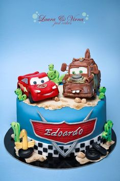 cars - Cake by Laura e Virna just cakes More Más 2nd Birthday Cake Boy, Birthday Menu, Truck Cupcakes, Cupcake Cakes, Beautiful Cakes, Amazing Cakes, Cake Designs For Kids, Bible Cake, Disney Cars Cake
