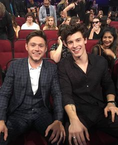 Shawn mended and Niall Horan just promised a duet for all of the Shawn mendes army and Niall Horan fans 😆😆 Shawn And Camila, Shawn Mendas, Shawn Mendes Imagines, Nicole Scherzinger, Liam Payne, Louis Tomlinson, Fangirl, X Factor, Chon Mendes