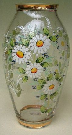 Discover thousands of images about Daisy Hand painted vase - Painted Glass Bottles, Painted Vases, Painted Wine Glasses, Hand Painted, Glass Bottle Crafts, Wine Bottle Art, Stained Glass Crafts, Glass Painting Designs, Flower Bottle