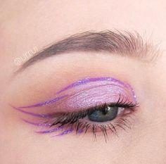 die frau in der kunst - glαm. - Make-up Edgy Makeup, Cute Makeup, Pretty Makeup, Makeup Inspo, Makeup Inspiration, Eyeliner Looks, Makeup Eye Looks, Eye Makeup Art, Eyeshadow Makeup