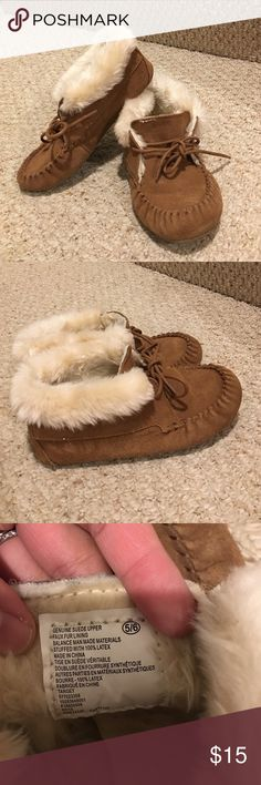 Brown Suede Lace Up Moccasins Lace up moccasins! Super warm and flexible and comfy. Size 5/6! Shoes Moccasins