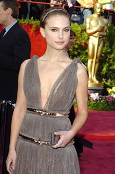 Natalie Portman at an event for The Annual Academy Awards Best Oscar Dresses, Oscar Fashion, Natalie Portman, Academy Awards, Costume Dress, Style Icons, Actors, Costumes, Formal Dresses