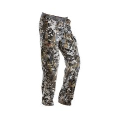 Completely re-engineered, the Sitka Gear Stratus Pant is part of our most versatile whitetail system. Sitka has sandwiched the Gore Windstopper membrane between a wet-printed Micro-Fleece shell and a micro grid fleece backer, creating the quietest 100% windproof pant.