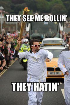 Ahahahaha | Matt Bellamy (Muse) carrying the Olympic Torch