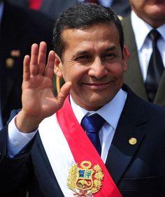 HOY, el presidente de Perú Ollanta Moisés Humala Tasso, cumple 50 años. Tres hijos y casado con Nadine Heredia, su compañera política y sentimental.