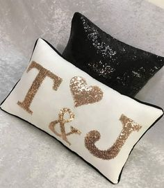 Mr & Mrs Pillow - wedding Pillow - personalized bedroom pillow - Custom letter pillow - birthday party decor - ring bearer pillow - Beds and bathroom items - Cool Decorative Pillows Girls Bedroom Colors, Bedroom Wall Colors, Boho Bedroom Decor, Diy Pillows, Decorative Pillows, Throw Pillows, Pillow Beds, Draps Design, Bedroom Wall Designs