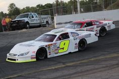 Even as he's moved up the national series ladder, Chase Elliott continues to go back to his short-track roots. He raced the CARS Tour super late model race on May 9, 2015, at North Carolina's Hickory Motor Speedway. Chase Elliott, Motor Speedway, Nascar, Ladder, Race Cars, Roots, Track, Racing, Model