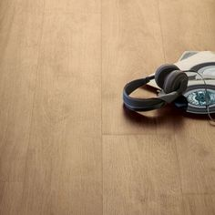 Home of Style Horsham Oak Laminate Flooring - 2.397 sq m per pack