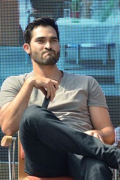 Grumpy Cat Tyler Hoechlin at AlphaCon Vienna | June 2014