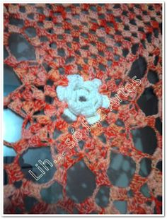 trilho de mesa com flor  http://inovartartesanatosemeva.blogspot.com.br/2013/04/a-2-vez-que-faco-esse-trilho-de-mesa.html