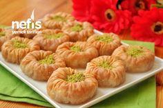 Bülbül Yuvası Tarifi Cake Recipe Using Buttermilk, Cake Recipes, Dessert Recipes, Food Carving, Onion Rings, Other Recipes, Iftar, Easy Desserts, Bakery