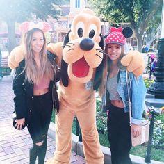 "J U L I E  on Instagram: ""Yesterday ☀️ with @priscillax103  #Disneyland """