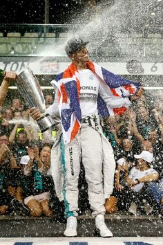 Champagne Shower #TeamLH