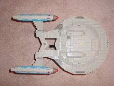 Star Trek Ships Lego 7 10 Star Trek Ships Recreated In Lego Lego Star Trek, Star Wars, Cool Lego, Cool Toys, Lego Tv, Lego Guns, Lego Ship, Lego Spaceship, Lego Design