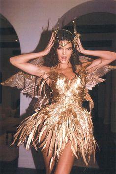 Kendall Jenner - Forest Fairy Costume for Halloween. Latest Kendall Jenner photo news and gossip. Celebrity photo news and gossip on celebxx. Estilo Jenner, Estilo Kardashian, Kardashian Jenner, Kendall Jenner Outfits, Kendall Jenner Icons, Kendall Jenner Halloween, Kendall Jenner Tumblr, Kendall Jenner Modeling, Le Style Du Jenner
