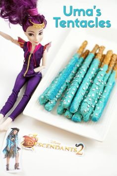 Uma's Tentacles Pretzel Rods for Disney Descendants Party. Make these fun pretzel rods for your next kids Disney Descendants birthday party or Halloween party. 6th Birthday Parties, 10th Birthday, Birthday Fun, Birthday Ideas, Villains Party, Bday Girl, Disney Descendants, Pretzel Rods, Party Ideas