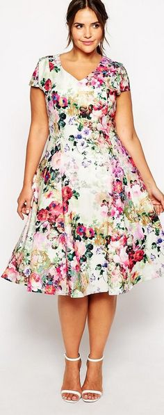 20 Plus Size Floral Dresses that Scream Spring! summer midi dress plus size Maxi Dresses Uk, Summer Dress Outfits, Chiffon Maxi Dress, Casual Summer Dresses, Maxi Dress With Sleeves, Floral Maxi Dress, Summer Maxi, Maxi Skirts, Dress Casual