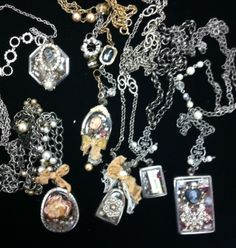 Come in for a class and see what YOU can make,,, with the creative instructions from Bonne Bella Boutique  Consignment!