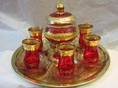 Turkish Tea Set Invitation to Turkish Tea & Art/Travel Talk To Istanbul . Turkish Apple Tea, Turkish Coffee, Arabic Tea, Tee Kunst, Tea Glasses, Tea Art, My Cup Of Tea, Tea Service, Coffee Set